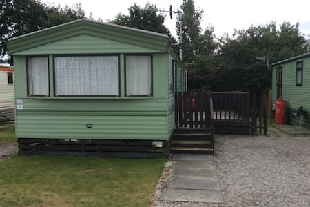 3 Bed , on a 4* Holiday Complex !!! - Morecambe