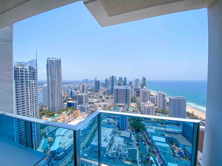 """H Residences "" SHARE Private Rm Ocean & City View"