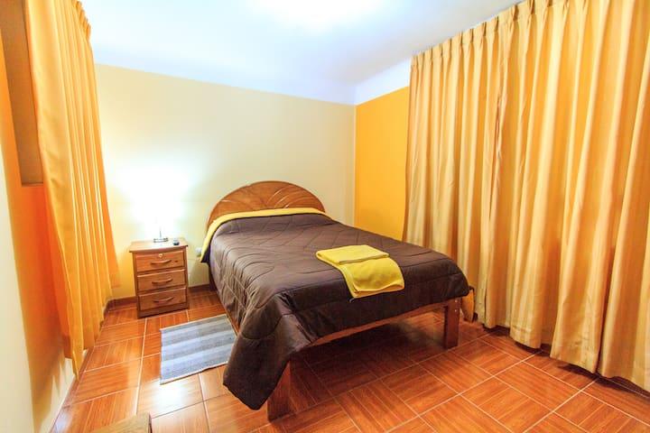 Cozy Private Room (w/bathroom) Near Downtown Cusco