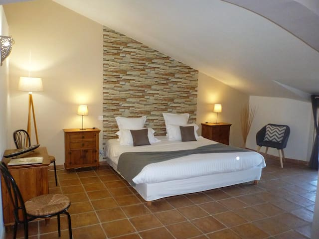 Double room-Standard-Private Bathroom-De Surga