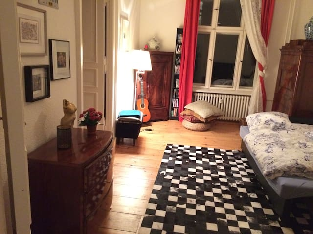 Central, comfortable and clean room - Berlin - Wohnung
