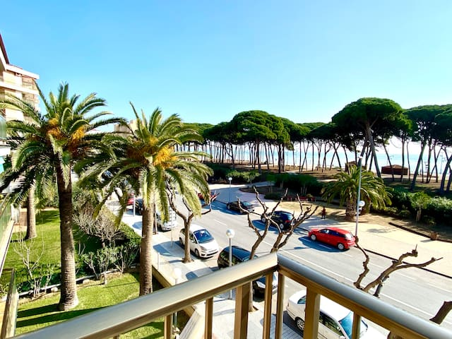 Apartment in La Pineda near the beach
