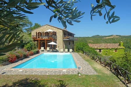 Le Vignaie - Relaxing villa with incredible views - Perugia