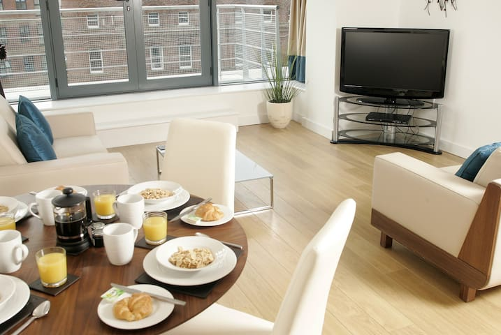 Kspace Waterloo Court 2 Bed Apt with 2 Bathrooms