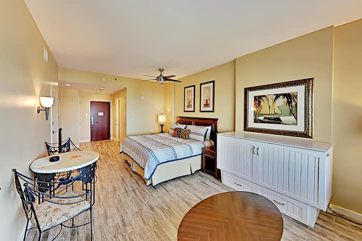 Top-Floor Resort Condo at Luau at Sandestin®
