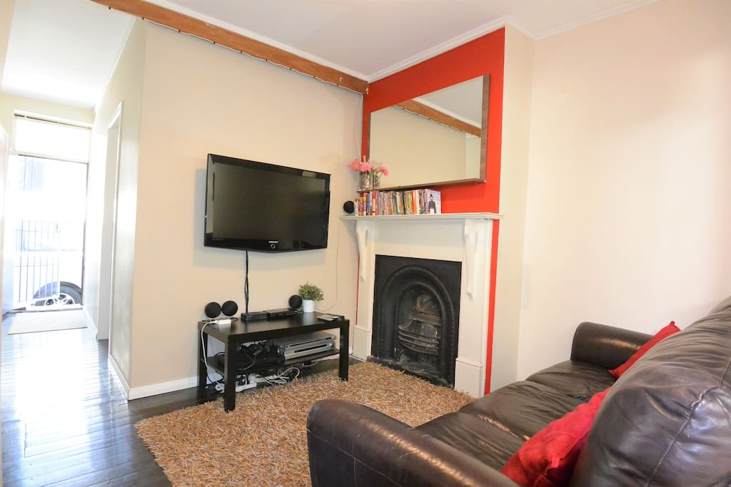 Lounge Area with over 200 DVD's, Playstation and sound system