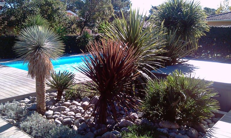 Villa avec piscine, spa et hammam, proche plages