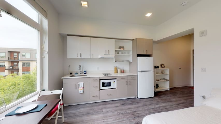 Downtown Tacoma Hotspot - 1 Bedroom + Loft