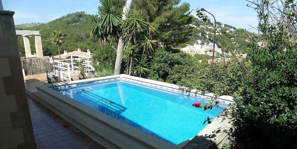 Villa in Cala Provençals - 80 m away from the sea - Provensals - Huis