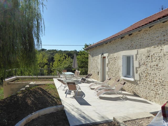Gîte 6 places tout confort, proche Périgueux - Notre-Dame-de-Sanilhac - House