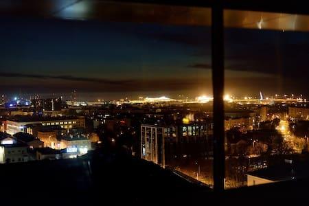 Cozy apartment, great city views - Tallinn - Apartment