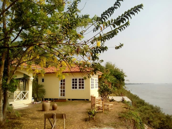 Cozy house bungalow ( Half-board)