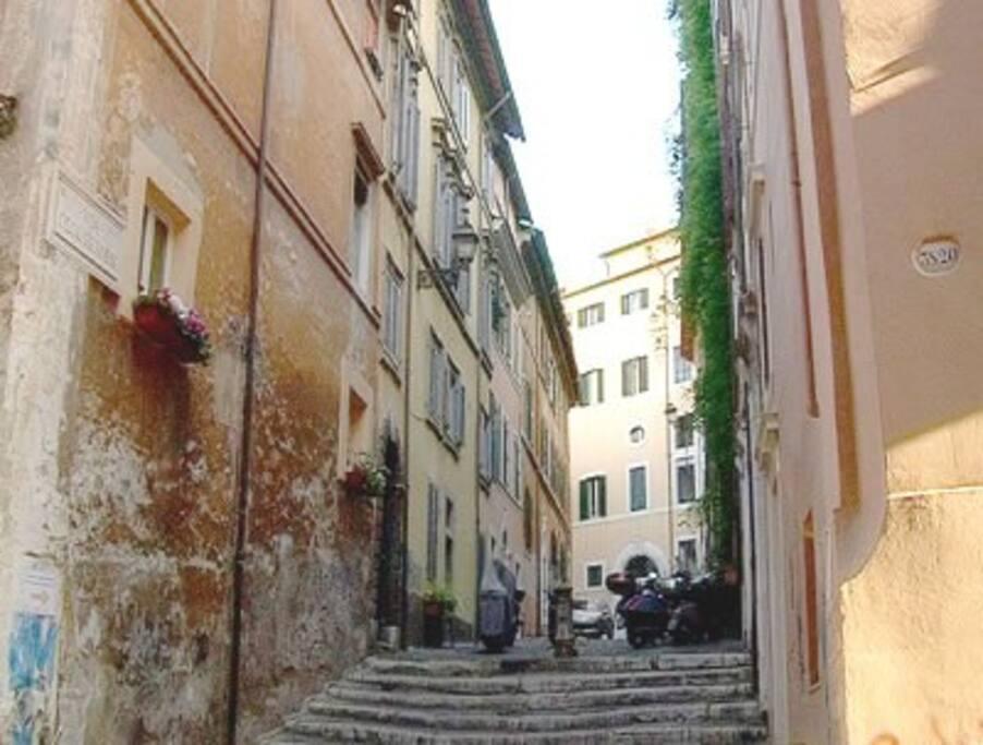 Via degli Ibernesi (from North)