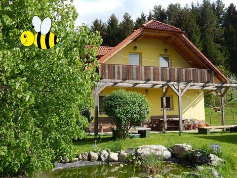 Sunny Holidy House, Bee 2 - Twin room