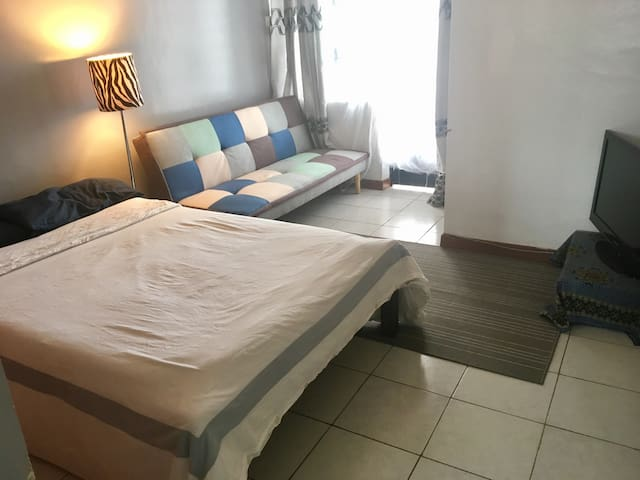 Cosy Ensuite studio in Kileleshwa. - Nairobi - Appartement