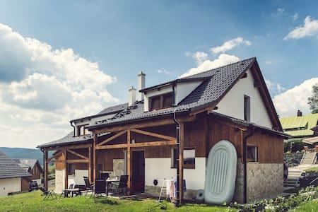 Brand new house for 5 ppl