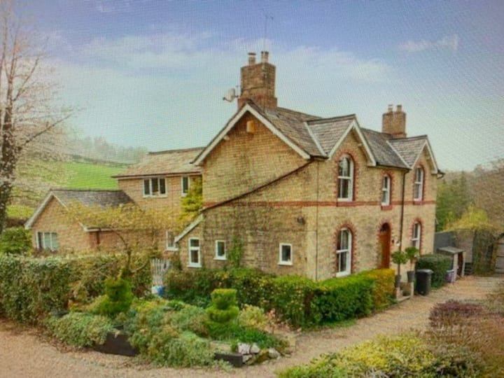 Idyllic Country Home, Castle Suite & Hot Tub