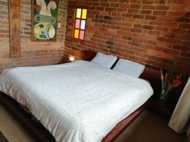 Habitación #6 cama super king muy agradable.