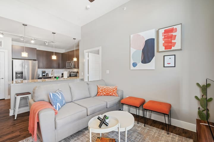 Designer 2BD/2BA in Frisco w/ Gym & Pool