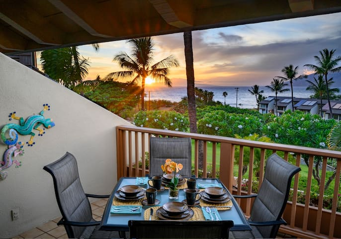 Spectacular Ocean Front View. H209 is a quiet unit far enough from the road so noise isn't an issue. You can have peaceful meals throughout the day on the private lanai. Enjoy the bliss of Hawaii and the beauty it offers.