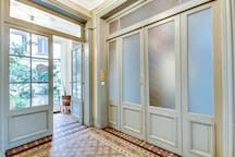 LOUVRE 3: UPPER CLASS SUITE - RUE SAINT HONORE