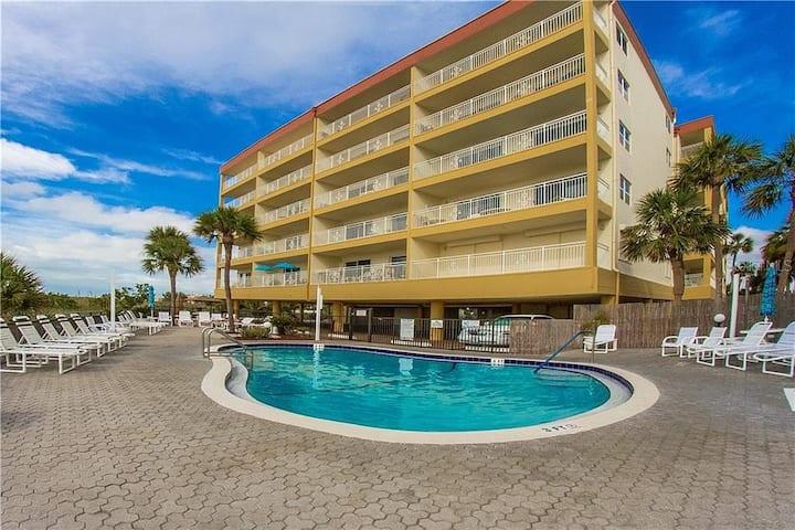 Gulf Beach Condo For Rent.  Simply Paradise.