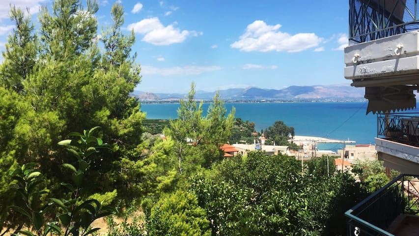 Sea view maisonette near Nafplio!4' walk to beach