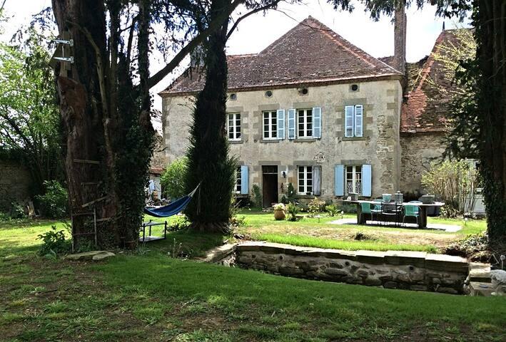 Ancien maison de vacance /château à louer