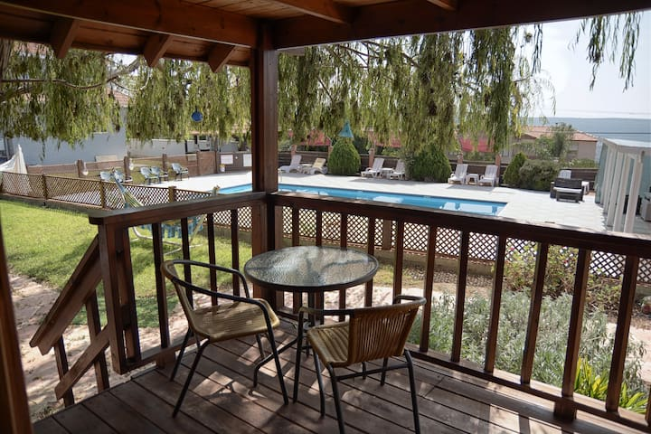 Cozy and quiet cabin in the heart of the Galilee