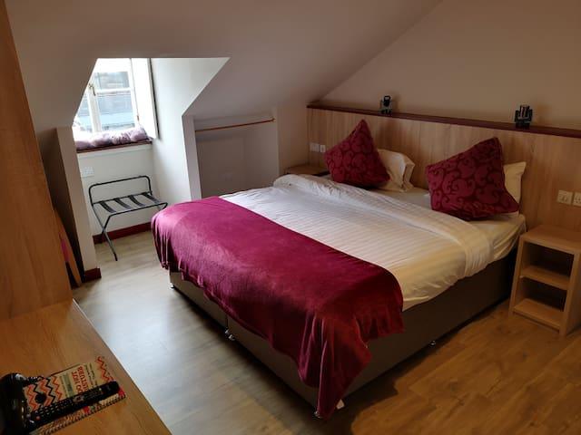 Private en-suite double room Dene Guest House