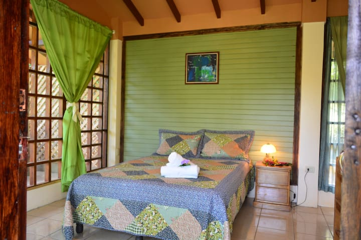 Green Honeycreeper Bungalow