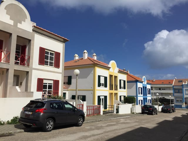 Great 4 bedroom house in Peniche