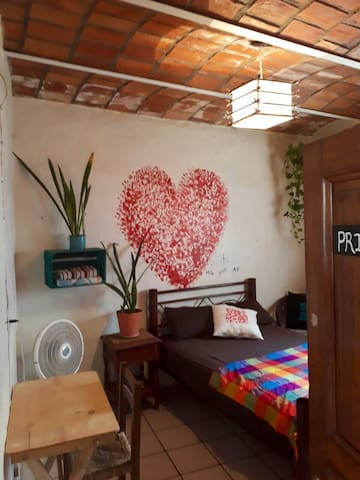 Chillum Surf House ( Private bedroom )