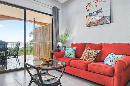 Amazing 1 Bed Ocean View Condo Close To The Beach!