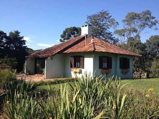 Cabana no Campo - Quatro Barras - Hus