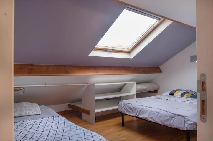 Chanbre 2 avec lit double 140×200