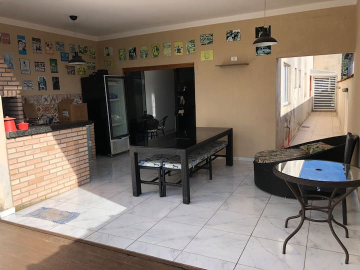 Casa no Morada da Praia piscina e ar condicionado