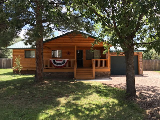 Pinetop Cabin- book now and save - Pinetop-Lakeside - Kulübe