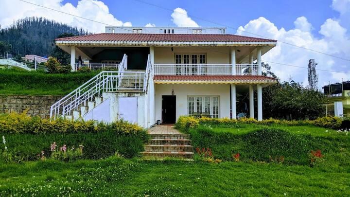 🔥Exclusive Villa near Rose Garden🔥