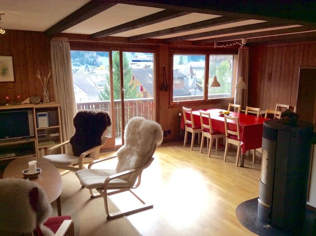 Amazing mountain view in traditional Swiss chalet - Engelberg - Appartement