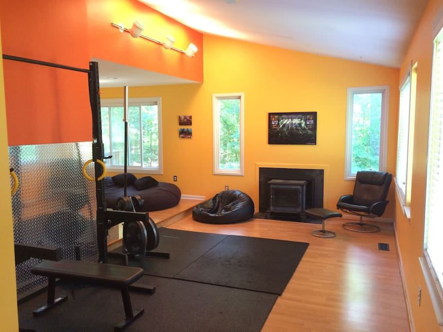 Bright open floor plan.  Yoga? Yes!  TV? No!