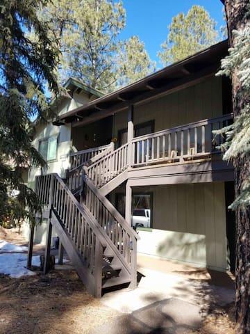 Pinetop Deep Forest Retreat  Condo R&R