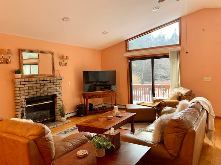 Cozy Getaway!Pets OK/dog park/WiFi/3bed/3bathCLEAN