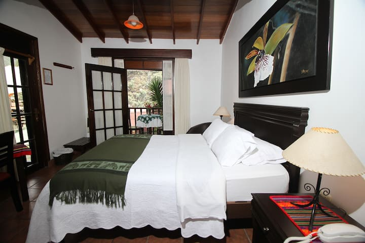 Gringo Bill's Hotel - Machupicchu - Aguas Calientes - Bed & Breakfast