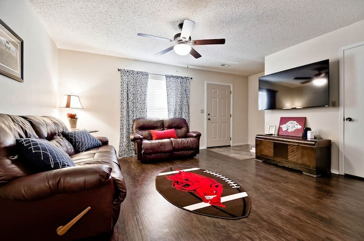 Charming Condo in East Fayetteville - Фрэйетвилль