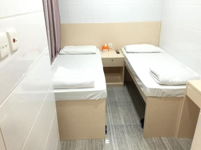 7)Twin Rm & Private Washroom We got Double Bed too