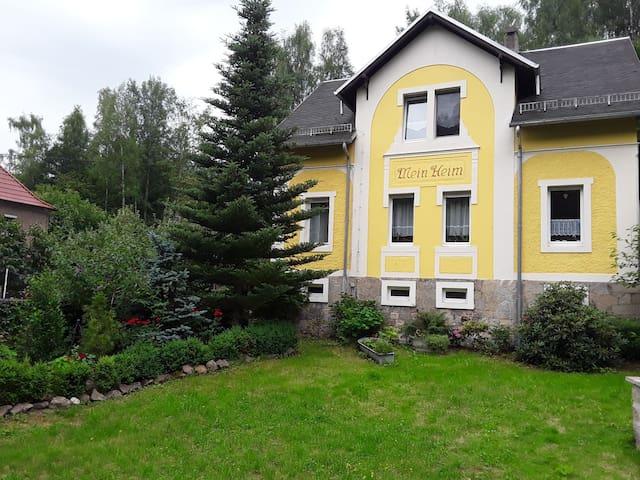 Wohnung in familiärer Atmosphäre am Rand Dresdens