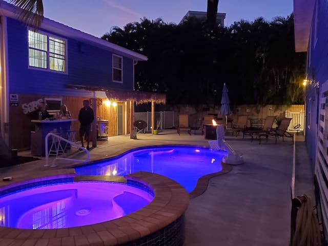 Topaz - Best Location on Fort Myers Beach