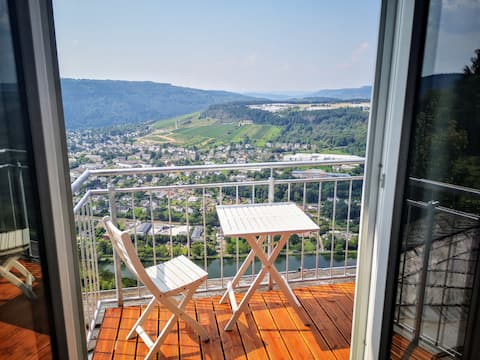 Apartment with sun balcony high above the Mosel