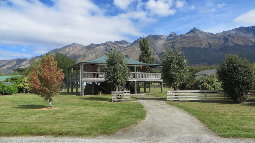 Glenorchy Crib   -- 7+nights / no cleaning fee --